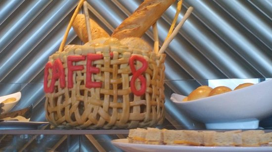 Crimson Hotel Filinvest City, Manila: Cafe 8 for breakfast buffet