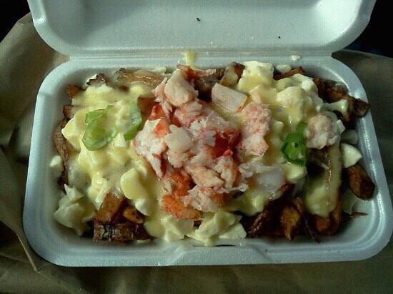 Mamie Pataterie Gourmande : Poutine au homard, sauce béarnaise