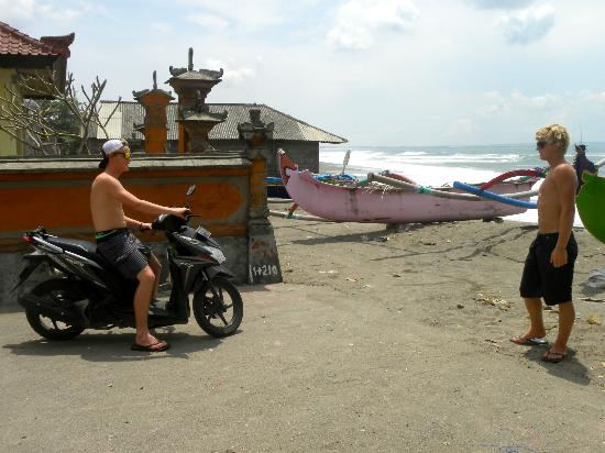 Coconuts Guesthouse Canggu : Small fishing village just south of Cannggu