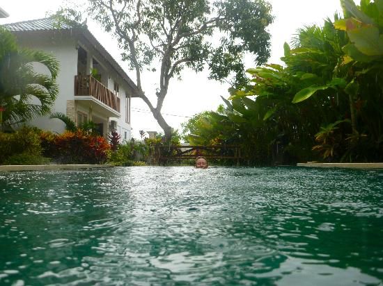 Coconuts Guesthouse Canggu : Ahhh, cooling down