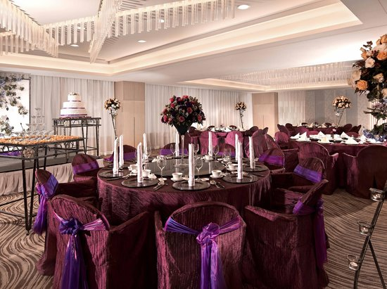 Pan Pacific Orchard: A Romantic Affair