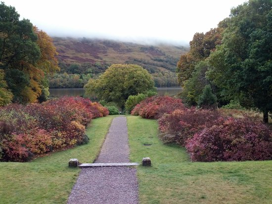 Glengarry Castle Hotel: Path to Lich Oich