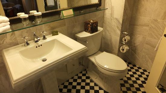 The Carolina Hotel - Pinehurst Resort: Toilet and Sink