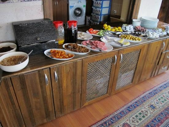 Caravanserai Cave Hotel: Breakfast buffet