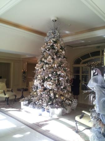 The Langham Huntington, Pasadena, Los Angeles: Lobby Christmas Tree