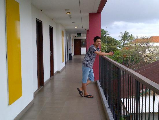 Amaris Hotel Legian: Action...hheee