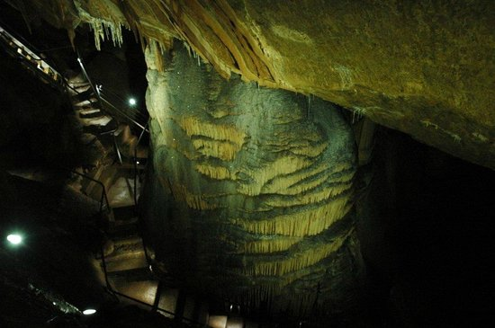 Gunns Plains Caves: Wedding Cake
