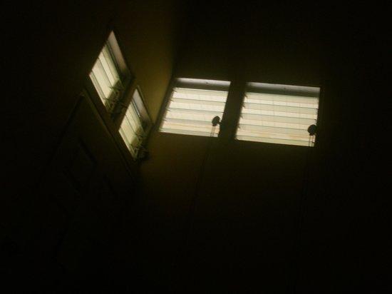 Posada San Jose: ventanas