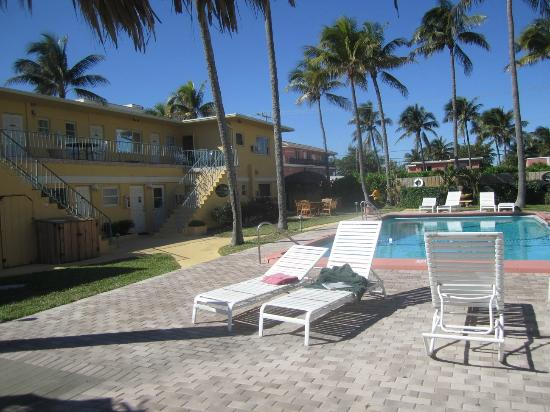 Pool Looking At Two Y Rooms Picture Of Ebb Tide Oceanfront Resort Pompano Beach Tripadvisor