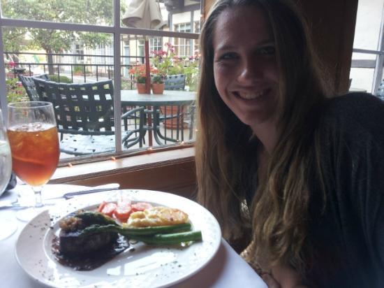 Cafe Provence at The Petersen Village Inn: Tasty filet mignon