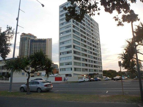 Kupari Boutique Apartments: Kupari apartment behind this tall apartment