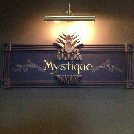Restaurant Mystique: The entrance to Mystique