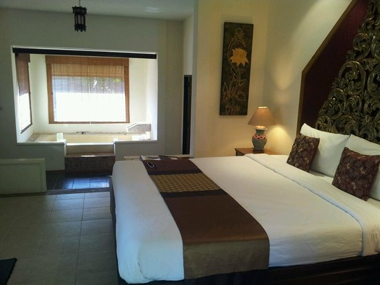 Suansawan Resort Chiang Mai: Grand Spa Villa with private jacuzzi :)