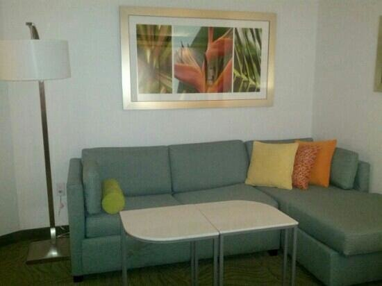 SpringHill Suites Miami Airport East/Medical Center: sofa
