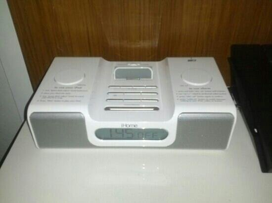 SpringHill Suites Miami Airport East/Medical Center: iPod/iPhone dock station
