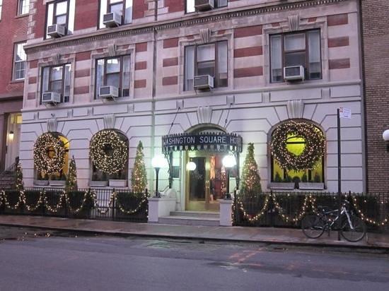 โรงแรมวอชิงตันสแควร์: beautiful at Christmas.
