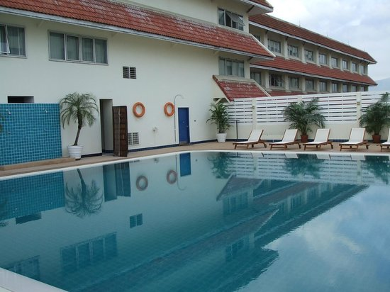 Mercure Chiang Mai: pool is on the 2nd floor