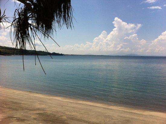 Pantai Senggigi: Calm. Serene. Tranquil