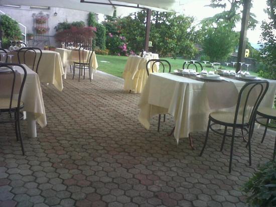 Vignale Monferrato, Italy: Il Dehor Estivo