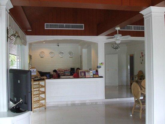 Amarin Resort: front