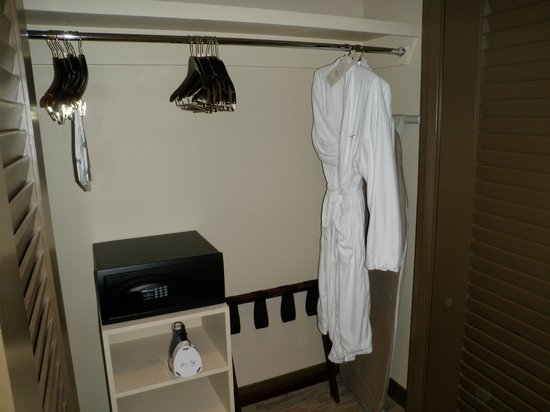 AT&T Executive Education and Conference Center: Closet
