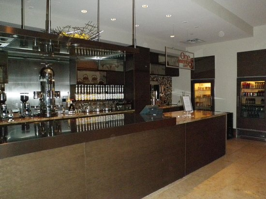 AT&T Hotel and Conference Center: Breakfast bar