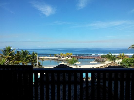 InterContinental Mauritius Resort Balaclava Fort: View from Hotel Lobby