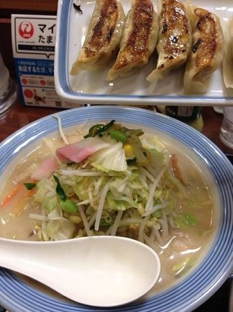 Ringer Hut  Express Omori: 野菜たっぷりちゃんぽん、餃子クーポンでゲット