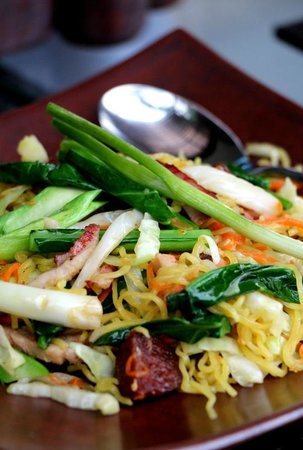 Peppers : Thai fried egg noodles with BBQ pork...