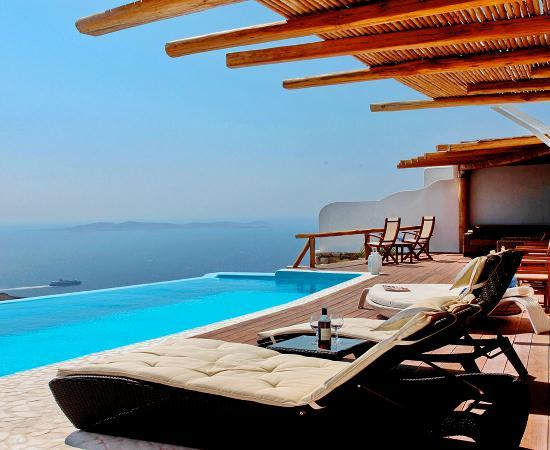 Zinas Villas: Kings & Queens Villa