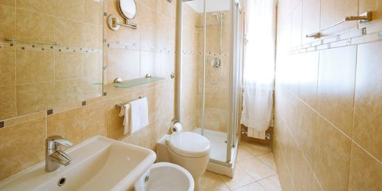 Hotel Cavaliere Nero: Bagno
