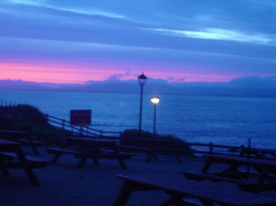 Creevy Pier Hotel: Sunset over the bay