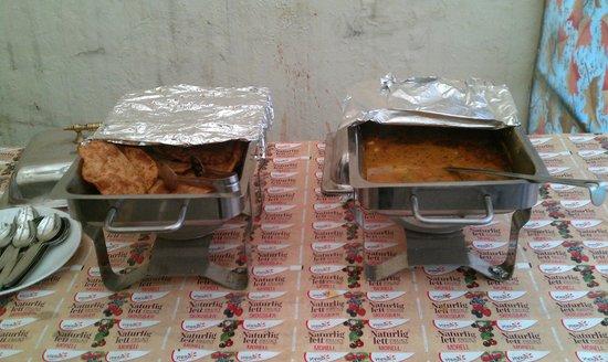 Hotel SPB 87:                   Poori Bhaaji - Breakfast