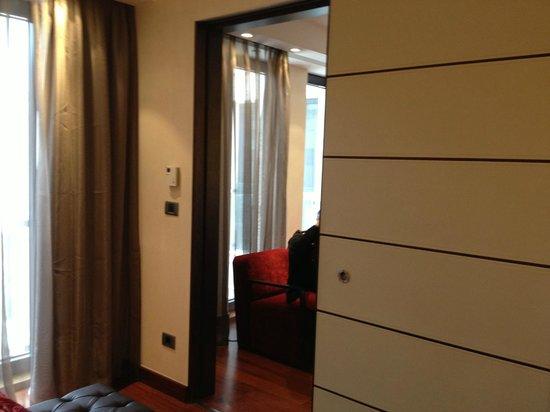 Eurostars Budapest Center Hotel: A door separates