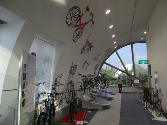 Bicycle Museum: 3階の自転車ライフの提案ブース
