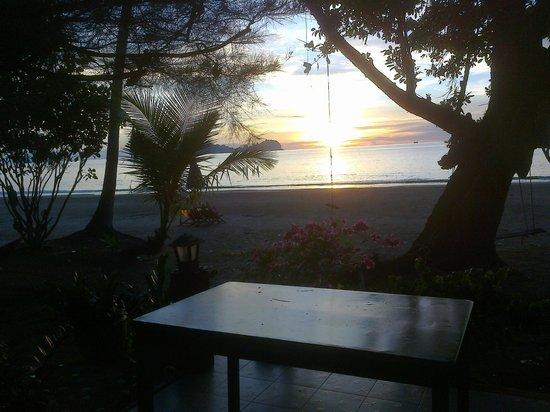 Yataa Island Resort: sunset