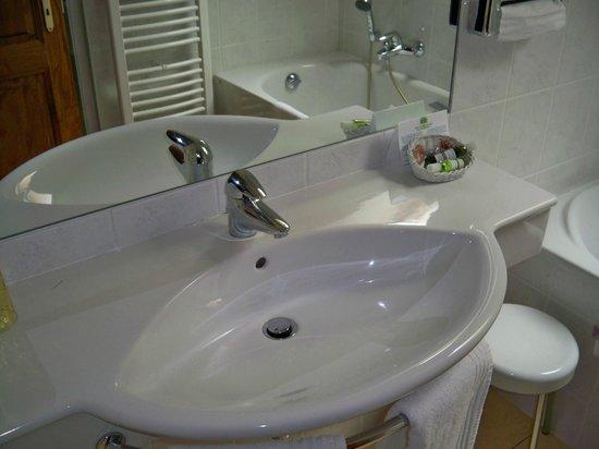 Hôtel l'Abbaye d'Alspach : Salle de bain