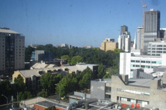 Atlantis Hotel: View of Flagstaff Gardens from Room 1225