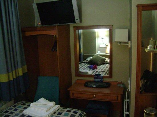 Sidney Hotel London-Victoria: одноместныйномер в отеле Sidney