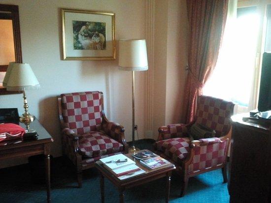 Hotel Avenida Palace: Salita adjunta a habitación