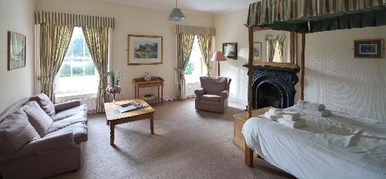 Delphi Lodge Country House: Old style luxury and comfort.