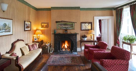 Delphi Lodge Country House: The Delphi Lodge Drawing Room - understated elegance