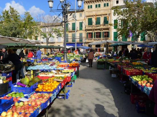 Llucmajor, Spanien: Miercoles/Viernes/Domingo mercado; Wednesday/Friday/ Sunday market; Mittwoch/Freitag/Sonntag Mar