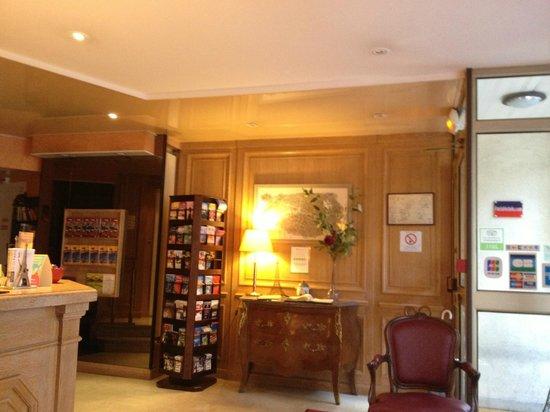 Eiffel Kennedy Hotel: lobby