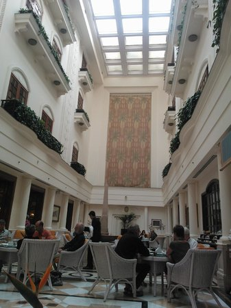 The Imperial Hotel: wintergarten