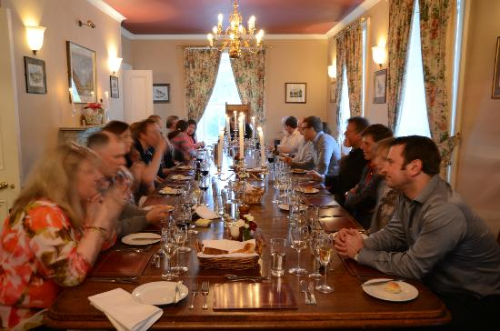 Delphi Lodge Country House: Around the Delphi Lodge table - great food, wine and conversation