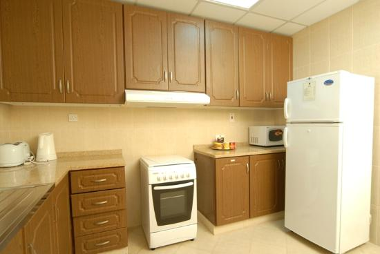 Fortune Classic Hotel Apartments : Kitchen