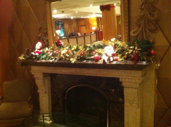 Millennium Gloucester Hotel London Kensington: Hotel lobby