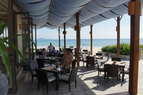 Mia Resort Nha Trang: Terrace at Sandels