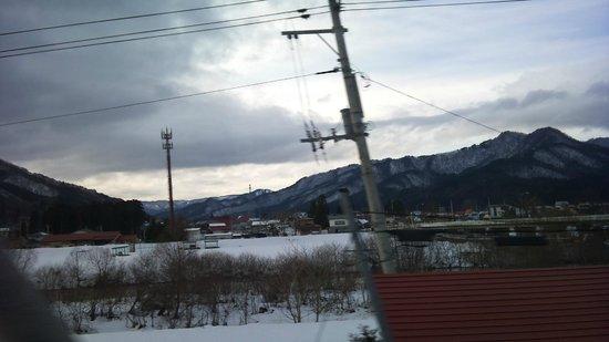 Yunokami Onsen : 湯西川を超えたら一面雪